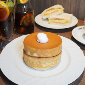 甜點控這次等到了!日本超夯復古風「星乃珈琲店」插旗中山,最經典「芙蕾熱蛋糕」免費送,搶攻中山人下午茶首選。