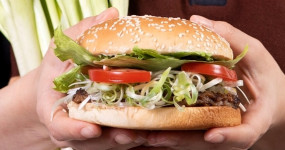 只有7天「漢堡王買一送一」!漢堡王全新「蒜香起士牛肉堡、三星蔥華堡」讓大蒜控、蔥控搶吃,7天「買一送一優惠券」要先跟上。