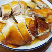 台北東門美食】元榆牧場東門店 門市限定現切甘蔗雞、真空包蔥浪土雞腿