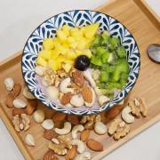 原味無調味且低溫輕烘堅果才是王道,乳白色的果實最新鮮,分享繽紛堅果燕麥粥給大家,相信連小朋友也愛不釋手-堅果樂園
