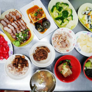 【台灣,嘉義美食】傳說中嘉義文化夜市裡的雞肉飯名店~阿霞火雞肉飯。(嘉義文化路夜市美食)