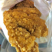 台北美食/南機場夜市 必比登美食 好吃炸雞/臭老闆豆腐/好佳蚵嗲