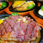 [食記] 新竹東區-赤燒碳烤牛排 鄰近新竹動物園平價牛排店 嫩口炭烤肩胛雪花牛 脆口起司豬排 濃湯吐司飲料自助吧
