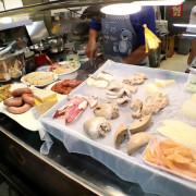 台南香腸熟肉/80多年老店傍晚才營業/當天採買新鮮食材備料/用餐時段必客滿/在地人帶路沒有觀光客/老台南人回憶中的傳統古早味
