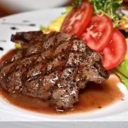 東門捷運美食。Focus Kitchen肯恩廚房。美式復古的用餐環境,聚餐約會的好地方