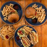 Lettuce雷特斯美式漢堡|台中西屯-逢甲 🏵 我帶過超~多朋友來吃花生牛肉漢堡 🏵