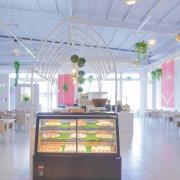 台中水湳—精緻餐點自助吧餐廳—各式美食吃到飽,裝潢白色極簡美的不得了!