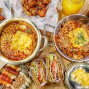 平價韓式早午餐30元起!一早就能爽嗑部隊鍋,首創韓國黑糖餅漢堡,爆紅年糕串必點