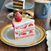 【台中】西區 OZ Male 啢男 超香濃肉桂捲 新鮮草莓蛋糕 柳川旁可愛咖啡廳推薦