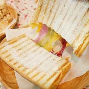 新北板橋早午餐! IG超夯的炭烤吐司展店到板橋囉,超愛鮪魚跟檸檬的組合很無敵-金花碳烤吐司