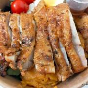 (北捷南港站附近美食)「Hungry Dogs 二犬健康餐飲」--- 主菜份量足配菜營養均衡又好吃的「香烤雞腿排」餐盒