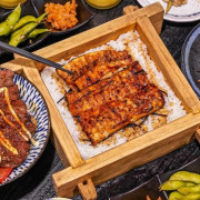 台中最好吃鰻魚飯,炭火直烤香氣超逼人,還有現熬全雞湯喝到飽,喝不完還能包回家~