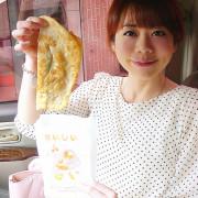 ◎吃吃喝喝~【宜蘭 頂埔阿嬤蔥油餅】一大匙蔥花,最後比臉還大的蔥油餅也太豪氣了吧!