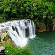 【新北-平溪區】氣勢磅礡、聲勢壯闊,有台灣版尼加拉瓜大瀑布美譽的「十分瀑布」