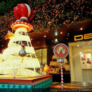 勤美誠品綠園道~~聖誕樹與聖誕時光列車我們來囉!!好有聖誕節的fu喔!!
