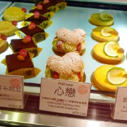 Patisserie Colette格蕾朵甜點,挑高的氛圍真是舒適~