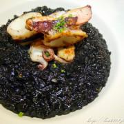 松菸美食 【Foodie 吃貨】-台北很厲害的墨魚燉飯!