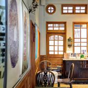 雲林虎尾【厝沙龍】,歌德維多利亞建築結合藝文與咖啡的獨立書店!