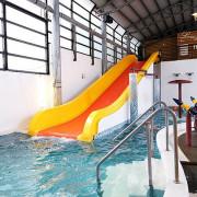 [宜蘭溫泉住宿]礁溪親子泡湯首選!多樣化溫泉設施平價泡湯奢華享受~冠翔世紀溫泉會館|滑水道戲水區、溫泉魚、SPA水療、球池