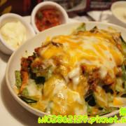 【台南-南區】沙拉x墨西哥玉米片..一起看棒球實況轉播巴...《Willys Grill葳苙二壘》