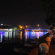 愛河愛之船(國賓站):三十分鐘的漫遊賞愛河夜景