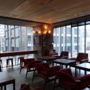 [食記] 高雄 佳適旅舍Jias Inn。在小酒館的氛圍裡吃早餐