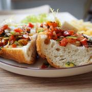 【台中西區】小家朝食Homey Brunch & Cafe  - 早餐飽足又健康.還有不定期限量甜點喔.隔壁是阿霞ㄟ頭髮店