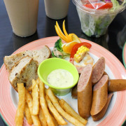 [高雄美食]平價又豐盛早午餐~雙魚座早午餐~近捷運文化中心站~