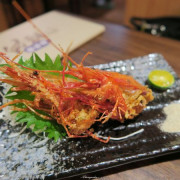 台北 捷運敦化站 伍伍食堂~香酥美味蝦頭包飯&超厚實生魚片
