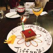 《台北❤️大安》JAPOLI義大利餐酒館,超可愛大嘴造型酒杯🍷特色拼搭披薩🍕一次吃到四種口味好滿足~