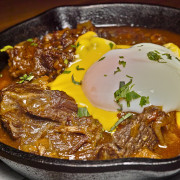 台北 忠孝敦化站 雨中的Borracho & wok 酒鬼與鐵鍋