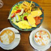 呷飽祙【新竹・卡比咖啡Catbii】一群貓星人陪用餐