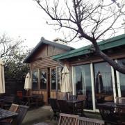 台北美食 ▎公雞咖啡Le Coq│三芝淺水灣咖啡廳│聽海、看夕陽的一餐。[大花說]
