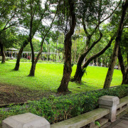 【台北市景點】CP值超高的戲水景點,有冷熱池SPA,360度滑水道跟漂漂河就在我家旁邊。玉成公園游泳池