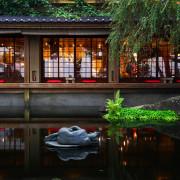 又見一炊煙 | 台中新社美食。水面映照之景唯美迷幻,共度柔情蜜語的浪漫晚餐