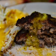 [捷運復興崗美食] Nash 吃 胖老闆 超犯規漢堡排讓人無法抵抗