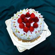 【台中 西區】甜忌廉甜點店 cream&sugar 🍰 可能是全台中最好吃的草莓鮮奶油蛋糕,高單價蛋糕,口味卻和價格不成對比啊!