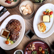 松山車站| QUE 原木燒烤餐廳 - 16oz肋眼牛排XSemi Buffet 吃到飽