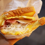 【台北】信義 Isaac toast & coffee 來自韓國的超人氣早餐‧鐵板奶油三明治!(ATT 4 FUN 4樓)