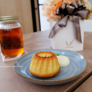 【台中西屯】NowPlace現在-早午餐甜點義大利麵茶品.簡單有型裝潢.富士山磅蛋糕不錯.東萫來泰緬料理對面.逢甲商圈