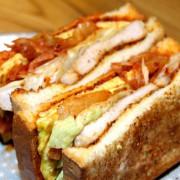 【台北橋站】天使號碳烤土司~藝術家與貨車司機的宵夜狂想曲/三重晚上營業的碳烤士司