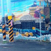 結合當地蚵殼,雲林龍台宮附近的彩繪讓人超吃驚。