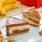 【媽媽愛吃的乳酪蛋糕】人氣團購甜點_ILLY核桃雙層,貝禮詩香蕉生巧,雙拼組合_品好乳酪蛋糕