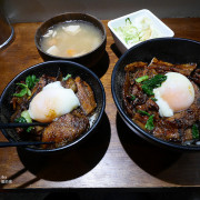 【台北中正|佐藤精肉店 akiba】在復刻日本食堂大口吃醬燒豚肉烤五花丼一個人也可以盡情享受