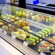 東區 x 折田菓鋪|東區新日式甜點,軟嫩柔順水果千層蛋糕!