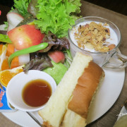 桃園 Mattina瑪堤那早午餐~我是一隻羊之超大蔬果份量早午餐