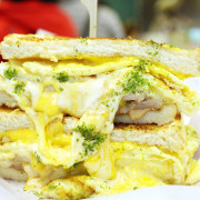 [ 西門站美食 ] 淺藍 ×金花碳烤吐司專賣~美味大份量高cp值台北熱門排隊早餐