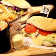 【台南東區-食記】芯芯要去【UFO cafe&food】~UFO主題餐廳|早午餐|咖啡|創意料理(文末抽獎)