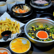家庭聚會、親子聚餐,聚會推薦 玉豆腐韓國家庭料理,免費續加五款經典小菜、熱麥茶無限暢飲 - 跟著尼力吃喝玩樂&親子生活