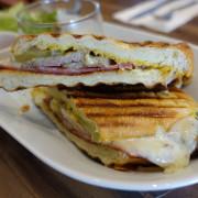 (胖樺食記)捷運民權西路站推薦咖啡廳「來唄咖啡」/古巴三明治/手工甜點/內含完整菜單